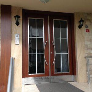 İstanbul tüm ilçelerine apartman kapısı modelleri , villa kapısı modelleri , ferforje kapısı modelleri ve yangın kapısı modelleriyle hizmetimiz mevcuttur.