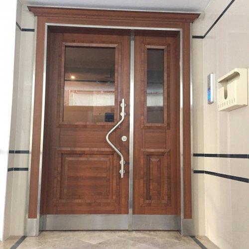 AP-232-Beyaz-Laminat-Apartman_Giris_Kapisi-